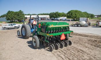 CroppedImage350210-GreatPlains-6-end-wheel-notill.jpg