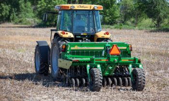 CroppedImage350210-GreatPlains-8-mounted-notill.jpg