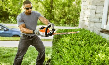 CroppedImage350210-STIHL-BATTERY-HEDGE-TRIM-2019.JPG
