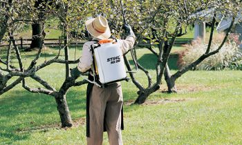CroppedImage350210-Stihl-BackpackSprayers-2019.JPG